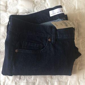Loft Modern Kick Crop Jeans.  Petite.  28/6P.